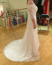 Lace Scoop Neck 3/4 Sleeve Unbranded Wedding Dresses