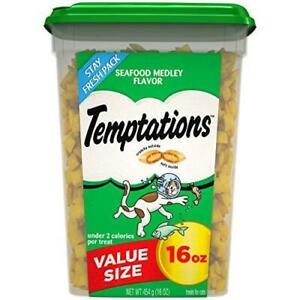 TEMPTATIONS Classic Crunchy and Soft Cat Treats Seafood Medley Flavor, 16 oz.