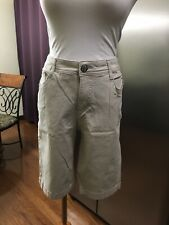 Nine West Khaki Tan Shorts Size 8 - NWOT
