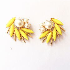 Yellow Pearl White Retro Nn5 earrings Nails Studs Big Golden Spiral