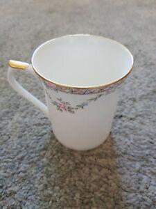 Queens Fine Bone China Garland Rose Mug