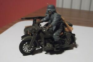 Britains Deetail - 9681 - German Army BMW Motorcycle + Side Car with Crew