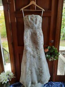 Wedding gown size 6