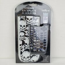 TI-84 Plus SE Designer Faceplate & Holster Skull & Crossbones Black White
