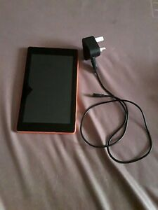 "Amazon Fire 5th Generation tablet-8GB,Wifi,7in.,""magenta""."