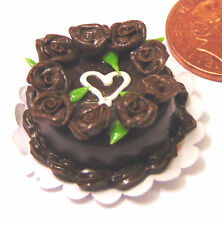 1/12 Scale Cake With Chocolate Icing Doll House Miniature Kitchen Accessory t6c