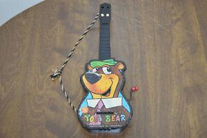 Vintage Mattel Yogi Bear Ge-tar 1961 Toy Guitar