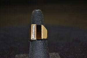 14k Yellow Gold Men's Ring. Size 7