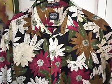 "MEN'S AWESOME VINTAGE HAWAIIAN SHIRT - SIZE MEDIUM BY ""DOCKERS"" GREAT DESIGN!"