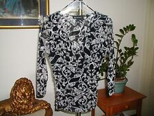 Inc. Womens Black & White Mesh V Neck Scroll Print Top Size Small New NWOT