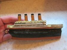 "MARITIME, ""TITANIC"" HINGED BOX SOUVENIR MODEL with jack and rose"