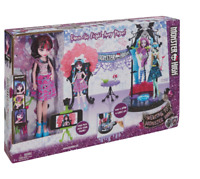 Monster High Welcome to Monster High Dance The Fright Away Playset with one Doll