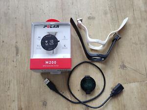 Polar Fitnessuhr / Pulsuhr M200 gebraucht + Armband schwarz