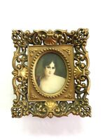 A Cameo Creation 157 Victorian Lady 1950s Small Oval Picture Glass Plastic Frame