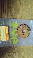NOS OEM Suzuki Second Gear Driven 1969-1974 TS50 AS50 24321-05103