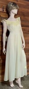 VINTAGE YELLOW SIZE 34 NIGHTGOWN   #11896
