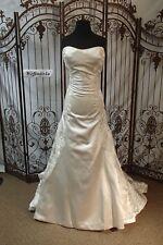 NC18 MON CHERI 110203A OYSTER SZ 12 $1600 STRAPLESS LACE WEDDING GOWN DRESS