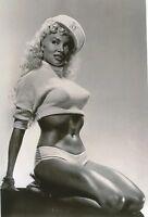 Usa  Photo --       Pin  Up  Girl <<>>  1950`s