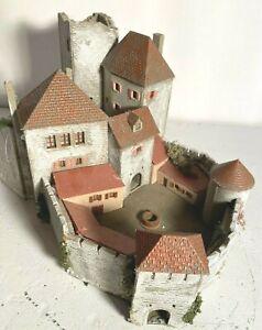Pola H0/N 823 Burg Feuerstein Exklusiv Modell 1990. Limitierte Auflage 2000 Stk