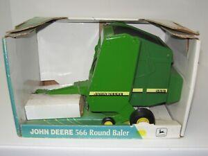 1/16 JOHN DEERE MODEL 566 BIG ROUND BALER w/BALE NIB free shipping