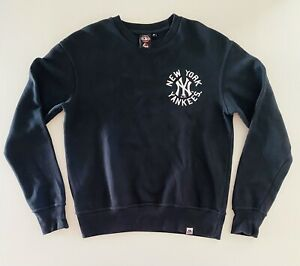 new york yankees Jumper Pullover Size M(W21in L25in) Black With Team Logo MLB