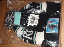 NWT DISNEY'S FROZEN STRIPED HAT AND TEXTING GLOVES SET GIRLS 7-16 Size ONE SIZE