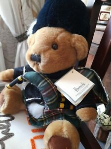 Harrods Bear Scottish with Bag Pipes with label 34cm sitting ht soldier Highland