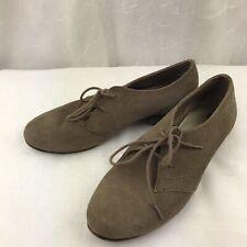 White Mountain Suede Oxford Flat Womans shoe Size 7