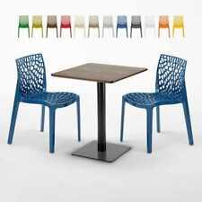 Table carrée 60x60 pied noir et surface bois avec 2 chaises colorées GRUVYER KIS