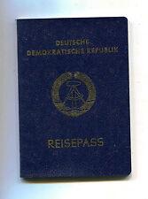 Reisepass der DDR von 1986 mit etlichen Visastempeln
