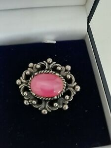 VINTAGE Silver Tone Pink Stone Textured Oval Brooch Pin Statement Classic Piece