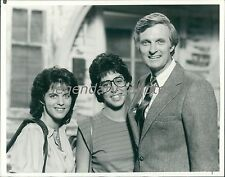 1984 Actor Alan Alda with Daughters Original News Service Photo