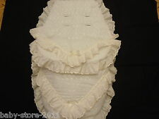 BEAUTIFUL LUXURY COSYTOES / FOOTMUFF ROMANY. STYLE  COLOUR  CREAM