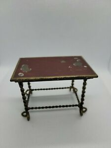 DOLLHOUSE MINIATURE ANTIQUE GRAIN OR MARBLE PAINTED RED METAL TABLE  ESTATE