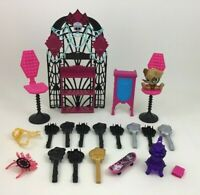 Monster High Doll Lot Bedroom Replacement Accessories Brush Pieces Parts Mattel
