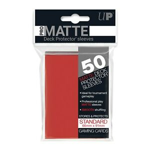 Pro Matte Deck Protector Sleeve Standard 50 pezzi Rosso 66mm x 91mm Ultra Pro