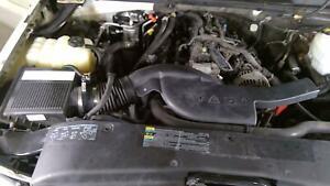 02-06 Cadillac Escalade 6.0L LQ9 Air Cleaner (Intake Tube/Air Box)