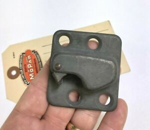 1941 1942 1946 1947 1948 DeSoto Door Striker Plate Front Right Side  893031