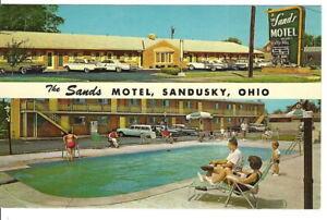 CD-086 OH, Sandusky Sands Motel Chrome Postcard Pool Old Cars Sign People Ohio