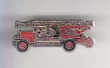 RARE PINS PIN'S .. POMPIER FIRE CAMION TRUCK ECHELLE POMPE ANCIEN 1930 3D ~CC