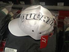Stock 100 Cappelli DUCATI PUMA Logo Bianco - Cap Ducati Puma 987648030