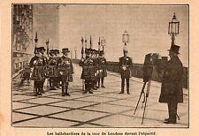 LONDRES HALLEBARDIERS DE LA TOUR IMAGE 1909 LONDON BEEFEATER OLD PRINT