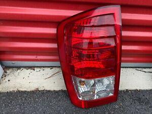 2007-2010 Hyundai Entourage Driver Side Left Taillight Tail Light