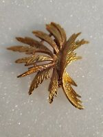 Vintage Gold Tone LEAF Brooch Pin WOMEN'S FASHION Jewelry