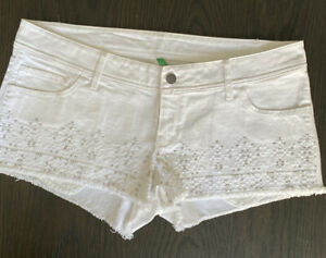 Womens United Colors Of Benetton Shorts Size 10 NWT