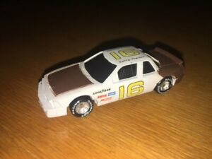 RACING CHAMPIONS NASCAR 1:64 SCALE 1991 #16 LARRY PEARSON CHATANOOGA CHEW!
