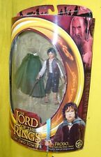 FRODO w/ STING SWORD CAPE 2 TOWERS SIGNORE ANELLI LotR LORD RINGS figure TOYBIZ