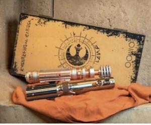 **UNOPENED** Star Wars-Galaxys Edge LE 3000 Skywalker Luke Leia Lightsaber Hilts