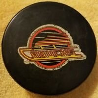 1980s VANCOUVER CANUCKS INGLASCO VINTAGE CANADA NHL HOCKEY OFFICIAL GAME PUCK