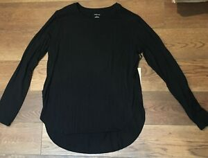 NWT: Halogen black long sleeve top, graduated hem, size M, retail $39.00